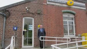 bureau de poste ouvert le samedi apres midi coup de çonneuse sur les horaires d ouverture de la poste la