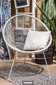 dieser stuhl wird alle blicke auf sich ziehen stühle
