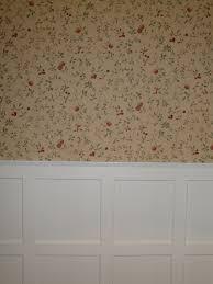 Z³calo de madera lacada y empapelado en pared