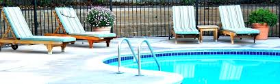 Poolside Lounge Chairs In Water Pool 3 Easy Ways To Test Your A Chaise Plastic