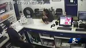 100 Speedco Truck Lube Man Steals Expensive Tool From Tire Shop Offering Services For Free