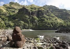photos des iles marquises une statue tiki symbole des îles marquises iles marquises