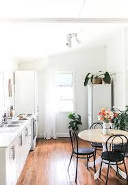 Best 20 Simple Apartment Decor Ideas On Pinterest College