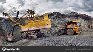 100 Rock Truck Large Quarry Dump Loading Dumper Loading Coal Body