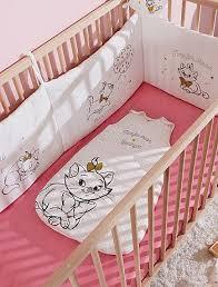 tour de lit bebe mickey plus de 25 idées uniques dans la catégorie lit de bébé disney sur