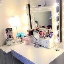 Vanities20 Idaces Pour Organiser Son Maquillage Vintage Vanity Room Ideas Cute