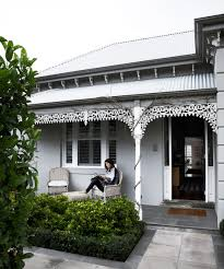 100 Melbourne Victorian Houses Georgina And Wills Monochrome Home In 2019