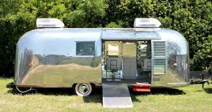 Airstream Salon 2 750x400