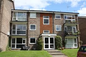 100 Armadale Court House Parkers Reading 2 Bedroom Flat Let Agreed In