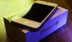 Refurbished iPhone 4s no contract to or not to