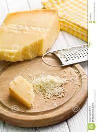 fromage à pâte dure italien râpé images libres de droits image