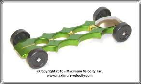 Extended Vaccinator Pinewood Derby Car Design