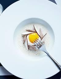 cuisiner blanc d oeuf blanc manger d œuf mollet à la truffe blanche d alba émulsion de