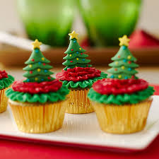 Mini Cupcakes Topped With Christmas Trees Zoom
