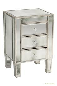 Hayworth Mirrored 3 Drawer Dresser by Best 25 Mirrored Bedside Cabinets Ideas Only On Pinterest
