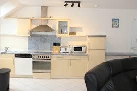 suite wohnzimmer küchenzeile
