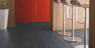 sol vinyle cuisine les dalles vinyles auto adhésives trouver des idées de décoration
