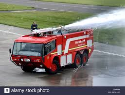 100 Emergency Truck Red Airport Fire Engine Emergency Vehicle Stock Photo 34853748 Alamy