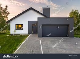 100 Garage House Modern Green Lawn Exterior Stock Photo Edit Now