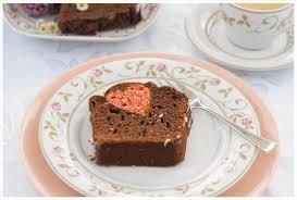 schoko rührkuchen mit rosa herz