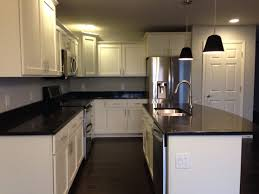 79 exles important kitchen white shaker cabinets black quartz