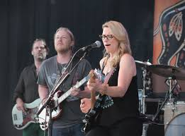 100 Derek Trucks Wife Tedeschi Band Returns To Meijer Gardens With Soulful Bluesy