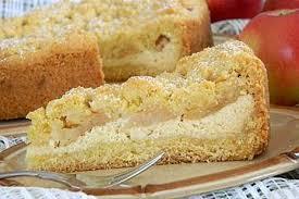 marzipan quark torte mit äpfeln und streuseln