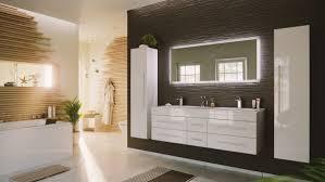 badmöbelset weiß mit doppelwaschbecken lichtspiegel
