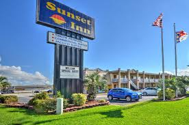 Sunset Inn, Jacksonville, NC - Booking.com Motorway Service Areas And Hotels Optimised For Mobiles Monterey Non Smokers Motel Old Town Alburque Updated 2019 Prices Beacon Hill In Ottawa On Room Deals Photos Reviews The Historic Lund Hotel Canada Bookingcom 375000 Nascar Race Car Stolen From Hotel Parking Lot Driver Turns Hotels In Mattoon Il Ancastore Golfview Motor Inn Wagga 2018 Booking 6 Denver Airport Co 63 Motel6com Ashford Intertional Truck Stop Lorry Park Stop To Niagara Falls Free Parking Or Use Our New Trucker Spherdsville Ky Ky 49 Santa Ana Ca