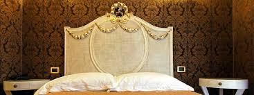 schimmernde tapeten in gold silber und metallic der