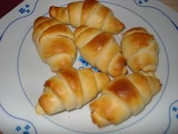 mini croissant aux knacki les gourmandises de vivika