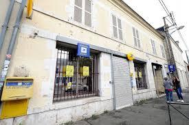 la poste bureaux la poste a tranché le bureau des aydes à fleury fermera le