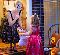 Halloween Attractions In Pasadena by Safe And Fun Trick Or Treat Neighborhoods In Los Angeles