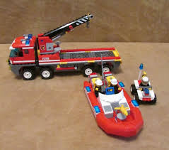 7213 Lego City Off-Road Fire Truck & Fireboat Complete Firestation ...