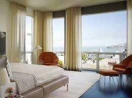 60 تصاميم أنيقة من الستائر للنوافذ الكبيرة
