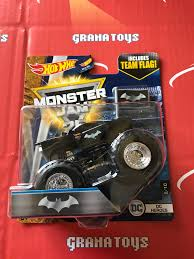 100 Monster Truck Batman DC Heroes 8102017 Hot Wheels Jam Case L 1 Grana Toys