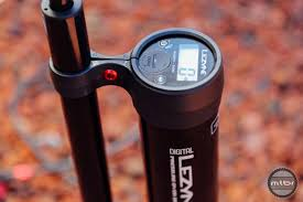 Lezyne Floor Pump Abs2 by Lezyne Digital Pressure Over Drive Pump Review Mtbr Com