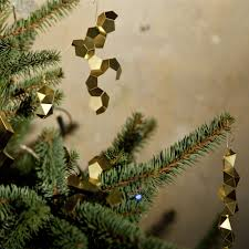 Christmas Tree Toppers Uk by 10 Super Simple Modern Diy Christmas Decorations Homeli