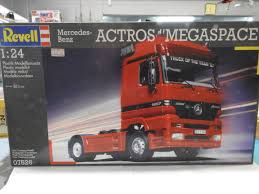 "Revell 07526.1/24 Scale. Mercedes-Benz, Actros ""Megaspace"" Plastic ... Revell Peterbilt 359 Cventional Tractor Semi Truck Plastic Model Free 2017 Ford F150 Raptor Models In Detroit Photo Image Gallery Revell 124 07452 Manschlingmann Hlf 20 Varus 4x4 Kit 125 07402 Kenworth W900 Wrecker Garbage Junior Hobbycraft 1977 Gmc Kit857220 Iveco Stralis Amazoncouk Toys Games Trailer Acdc Limited Edition Gift Set Truck Trailer Amazoncom 41 Chevy Pickup Scale 1980 Jeep Honcho Ice Patrol 7224 Ebay Aerodyne Carmodelkitcom"