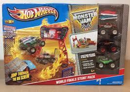 100 Monster Truck World Finals Hot Wheels Jam Stunt Pack Stadium Includes 3