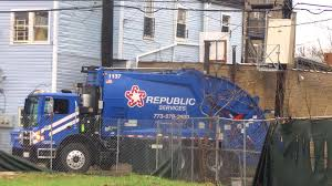 Republic Services Garbage Truck - YouTube
