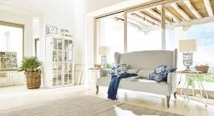 einrichtungsidee gemütlicher landhaus look im wohnzimmer