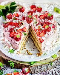 rhabarber erdbeer pudding torte mit fertigen böden