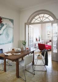 holztisch und moderne stühle mit bild kaufen 11364427
