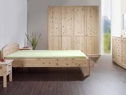 schlafzimmer aus massivholz zirbenholz schlafzimmer aus