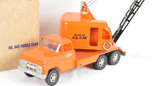 Tonka Mobile Clam   M370   The Toy Auction 2014 Tonka Tow Truck Toysrus Diecast 4x4 Site Turbo Diesel Crane I Found This In An Abandoned Hous Flickr Steel Classic Brands Toyworld Toys Turbodiesel Clamshell Bucket My Vintage Metal Orange Tonka Toy 1960s Mobile Crane Truck Youtube Cstruction Vehicles For Kids Collection Vintage Metal Mighty Toy 1960s To 1970s Hap Moore Antiques Auctions
