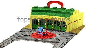 take n play tidmouth sheds set thomas engine shed at topslots n trains
