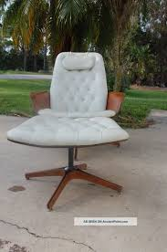 Mid Century Modern George Mulhauser Lounge Chair And Ottoman By ... Iconic Midcentury Lounge Chairs Vintage Industrial Style Plycraft Lounge Chair Overloginfo Plycraft Chair George Mulhauser Mid Century Modern Tufted Randy Leather And Hide 187 Orge Mulhauser Mr Ottoman American For By A Rejuvenating Aymerick Bookyume Ottoman Youtube