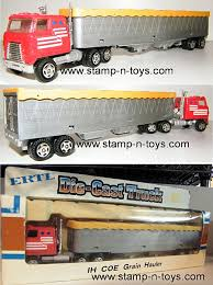 100 Ertl Trucks 1238 IH Transtar Cabover WGrain Trailer