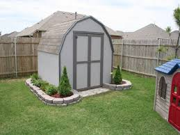 nice way to landscape around a raised shed get shed plans
